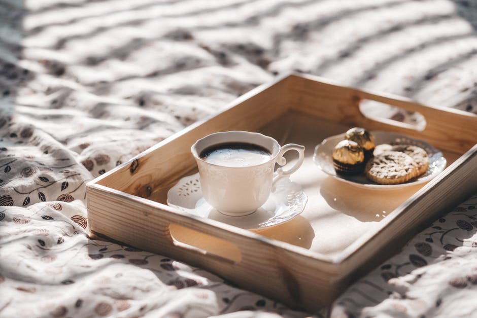 how to guide to mothers day - breakfast in bed - Badmammy.com