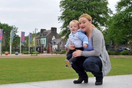 pictures in fitzgerald park cork mother and toddler smiling